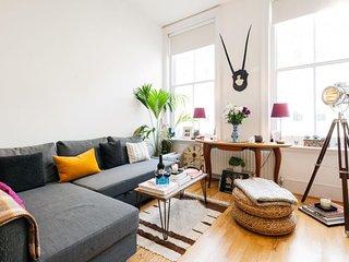 Lexham Gardens apartment in Kensington & Chelsea with WiFi., London