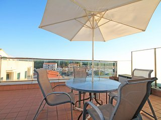 Penthouse with a terrace on the beach of Riells in L´Escala