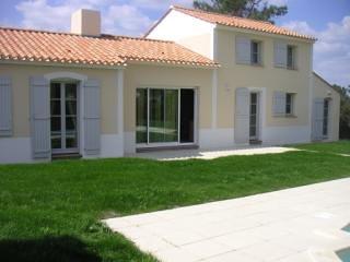Villa rear and pool