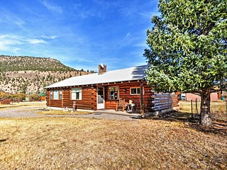 NEW! Lovely 2BR South Fork House w/Mountain Views!