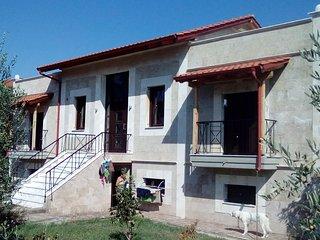 villa 240m2 (4 studios de 35m2 +2 salons 50m2 mezz, Vergina
