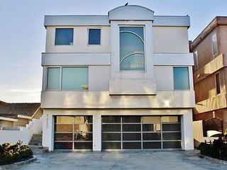 36250 - Lev Beach House - Hollywood Beach Oceanfront, Oxnard