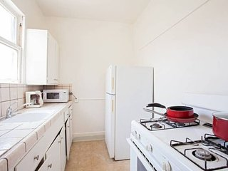Downtown Studio Apartment- Central to Everything!, Los Angeles