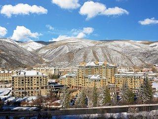 Westin Riverfront Mountain Premium Studio Villa Sleeps 4 with Kitchenette, Avon