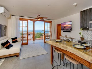 2 Br Oceanview Flat in Center of Las Catalinas