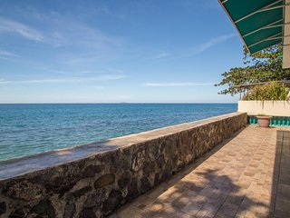 Sunset Paradise Beachfront Villas: Villa 2 Lower, Rincon