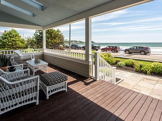 Amazing Oceanfront 5 BR. 4.5BA right on Gooch's Beach! All BR's w/ view of Ocean, Kennebunkport