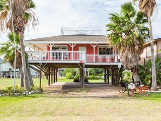 Cute getaway cottage near the beach!, Freeport