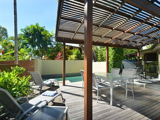Cassowary Villa No.1 - 3 Bedroom Near Beach and Town