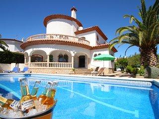 B35 CANGREJO villa piscina privada cerca del mar, Miami Platja