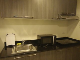Fully Furnished Studio Unit 2 at The Currency Ortigas