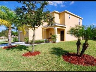 Florida Ridge Villa with Large Private Pool minutes to Disney.