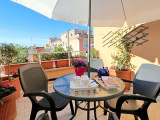 Colosseo, elegant studio with rooftop terrace