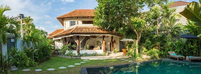 private villa mana with pool