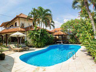 Gorgeous, spacious villa  private pool, Echo Beach