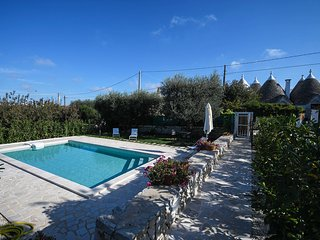 Trullo di Sabina with pool - on Monopoli hills