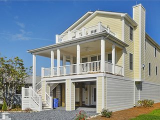 Only 1.5 blocks to the ocean, 7 bedroom home with porches, Bethany Beach