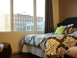 Easy Going Room in 4 Bed, 2 Bath+ Gym, Roof, Pool+, Nueva York