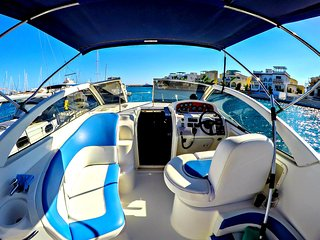 Limassol Marina - Exclusive Location - Luxury Yacht - Wifi - Air-conditioning