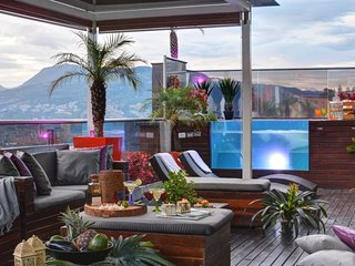 Magnificent luxurious 5 bedroom penthouse glass Jacuzzi, El Poblado, Medellin