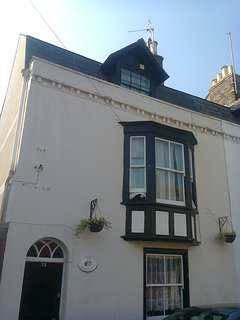 Grade 2 listed house with top floor self contained accommodation