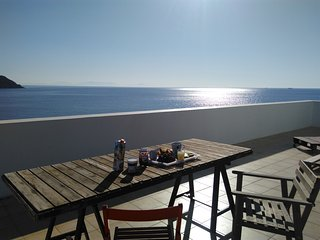 Superbe vue sur le golfe saronique. Amazing & Lovely place ! The place to be !, Agia Marina