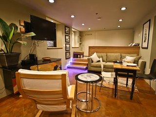 Furnished Studio Apartment at McAllister St & Steiner St San Francisco