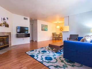 Furnished 2-Bedroom Condo at Robinson Ave & Third Ave San Diego