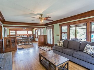 Furnished 4-Bedroom Home at C St & 27th St San Diego