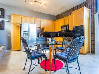 Furnished 3-Bedroom Apartment at Grand Ave & Kendall St San Diego