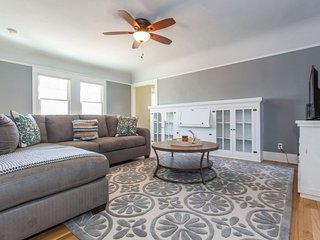 Furnished 3-Bedroom Apartment at Madison Ave & Mississippi St San Diego
