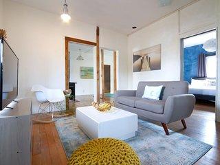 Furnished 1-Bedroom Apartment at Venice Blvd & Pisani Pl Los Angeles, Marina del Rey