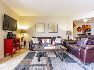Furnished 2-Bedroom Apartment at Garnet Ave San Diego