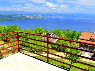 Ferienwohnung mit Pool und Panoramasicht - Opatija