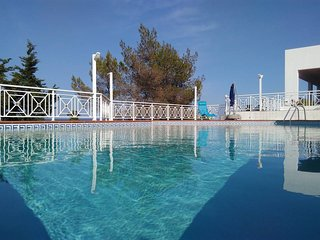 Studio cosy vue directe sur le golfe saronique. Be Relax, Have fun., Agia Marina