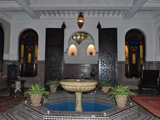 Luxury Riad Lamya (Emerald room)