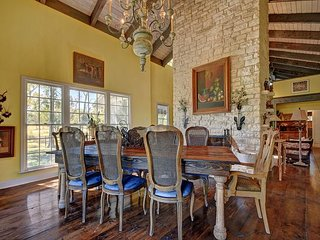 Dripping Springs Ranch Surrounded by Adventure – Great for Weddings/Families