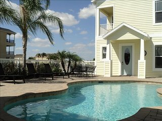 REUNION-LUXURY 5BR/7BA ON THE PALMER COURSE-FANTASTIC VIEWS-10 MIN TO DISNEY