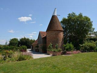 BT076 House in Hurst Green, Cranbrook