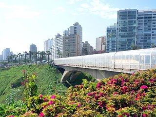 Pacific Ocean Apartment, Lima