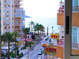 Apartamento Benidorm. Vista al mar. Playa Levante.