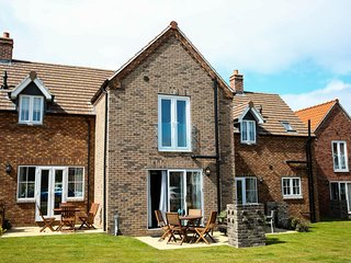 BUCK PLACE - Home from Home with a touch of Luxury on beautiful FILEY BAY