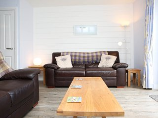 Lounge with comfy Sofas