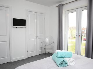 Spacious Master Bedroom with Juliet Balcony, TV & DVD & Room for the Cot which is available