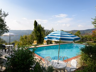 Family Tuscan Cottage Il Sole, and Pool