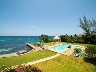 Ocho Rios, Jamaica. Apartment by the Sea and Beach. Santa Maria Apartment 3E