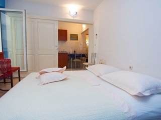 Comfort Apartment with Terrace (4 - 5 Adults)