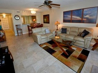 Reef Club #109 Luxurious Beachfront Elegantly Remodeled First Floor Condo, Indian Rocks Beach
