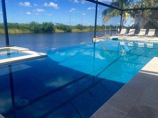 New Designer Villa in Top Location on Spreader Waterway and Nature Preserve