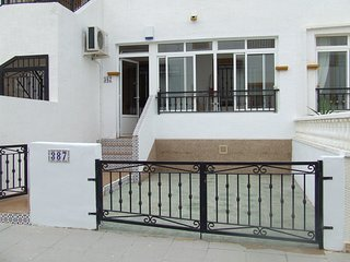 2 Bedroom 1 Bathroom South Facing Ground Floor Apartment